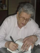 Autographing the novel